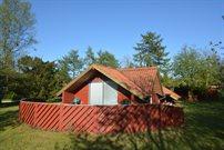 Sommerhus til 4 personer ved Truust