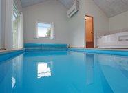 Poolhus til 18 personer ved Rødby